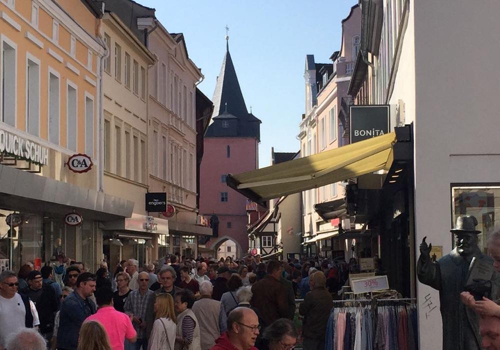 Die Innenstadt war voll mit Besuchern, die sich an der Fußgängerzone und dem schönen Wetter erfreuten. Fotos: Sandra Zecchino