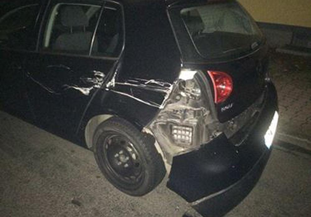 Der VW-Golf aus Braunschweig wurde erheblich beschädigt.