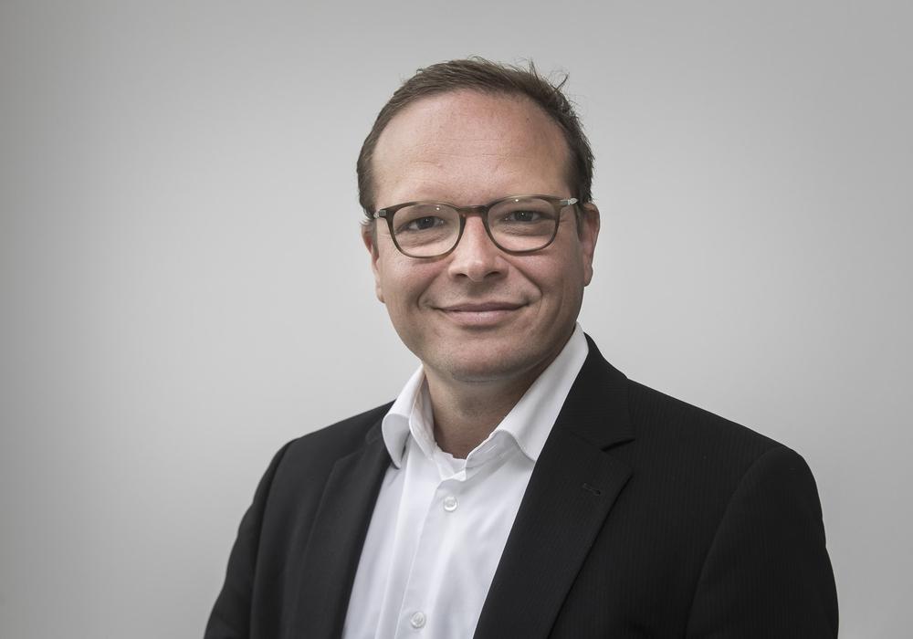 Dr. Raimar Goldschmidt, Chief Digital Officer des Klinikums Braunschweig, wird über die verschiedenen Bereiche der Digitalisierung im Klinikum informieren. Foto: Peter Sierigk