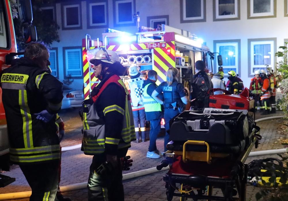 Die Feuerwehr war mit mehreren Trupps im Einsatz. Fotos: Rudolf Karliczek
