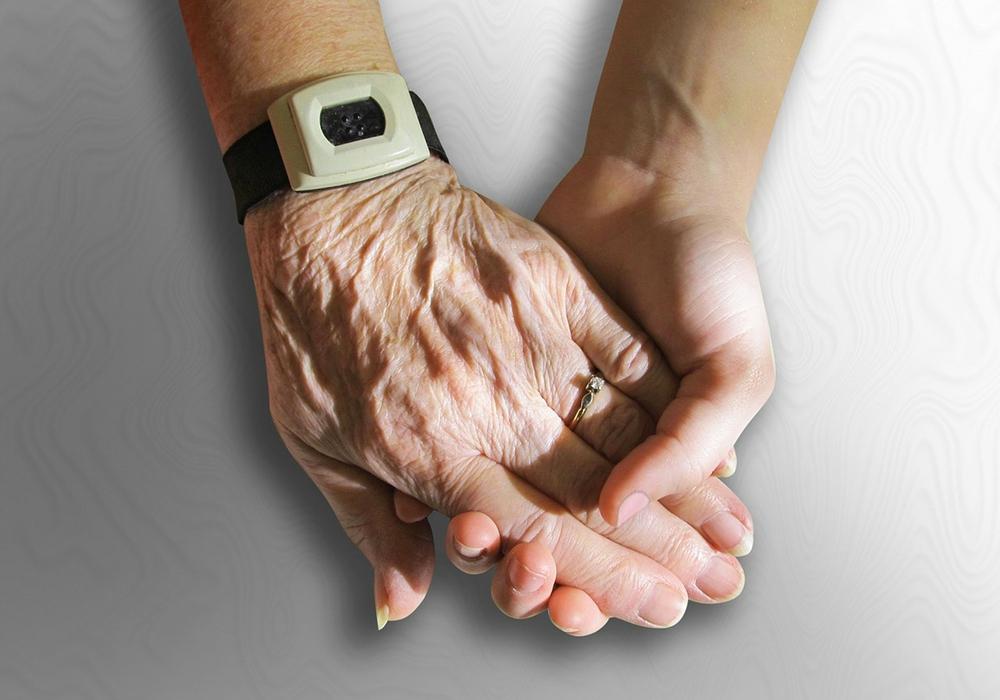 Beratung zum Thema Pflege Symbolbild: pixabay