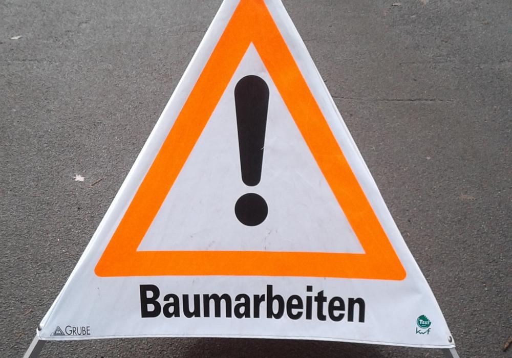 Nicht nur bei Baumarbeiten kommt die Motorsäge zum Einsatz. Foto: Feuerwehr Wolfenbüttel