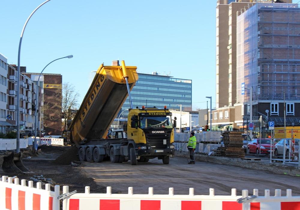 Straßenbau: Mit durchschnittlich 1.500 Euro Beteiligung müssen Anlieger rechnen. Foto: Alexander Panknin