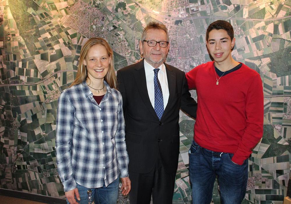Britta Mutzke, Michael Kessler und Rodrigo Yanez. Foto:  Stadt Peine