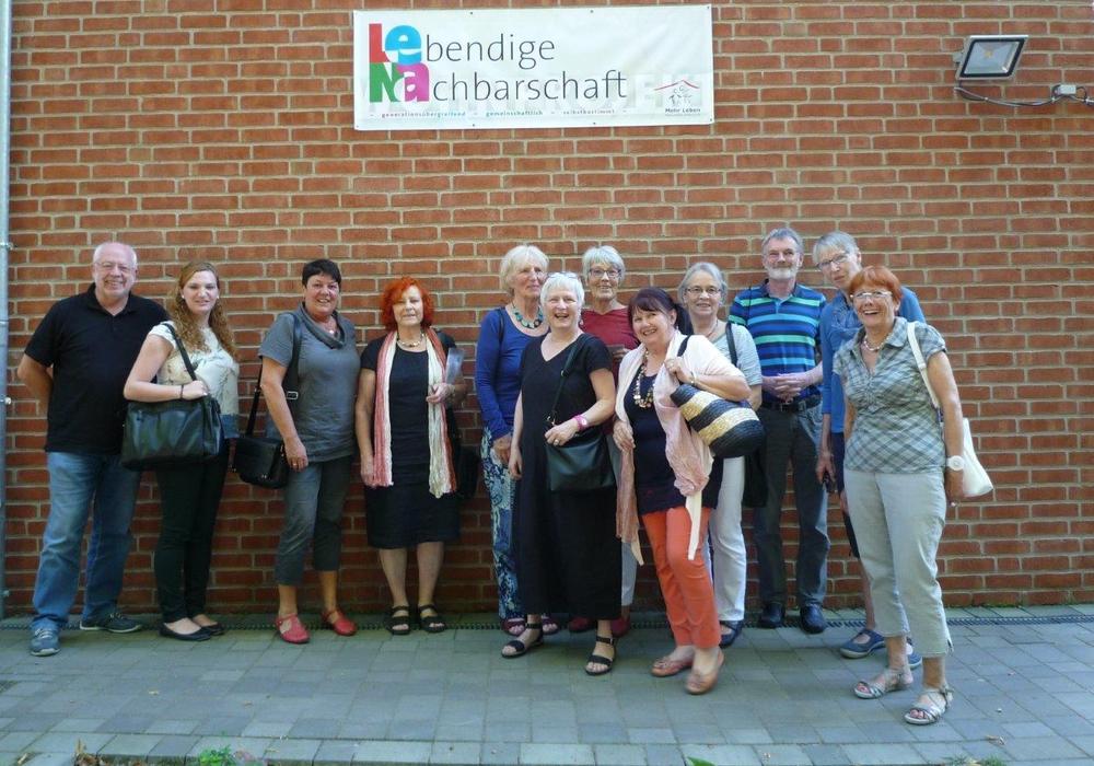 Begrüßung der Gäste durch Vertreter von LeNa, links außen Mit auf dem Foto: Birgit Oppermann, Uwe Kiehne, Valerie Dubiel. Fotos: Gila Schlee