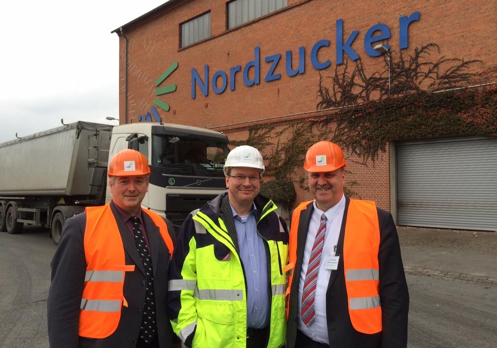 Im Bild v. l. n. r. Frank Oesterhelweg, Dr. Jörg Vietmeier und Andreas Memmert. Foto: privat