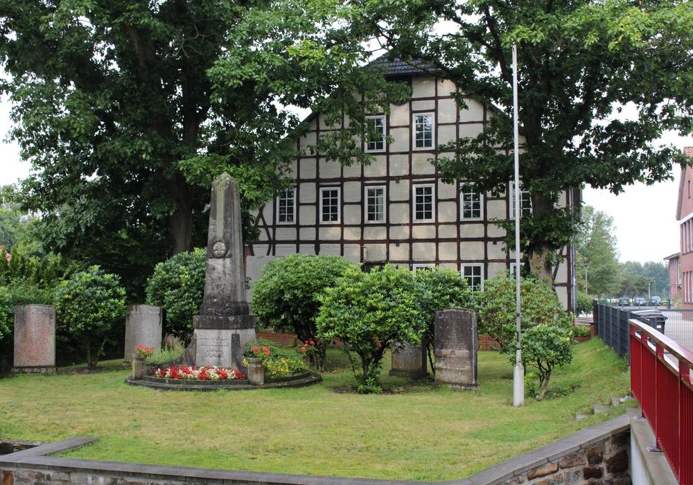 Alte Schule Neudorf Platendorf. Foto: Sandra Zecchino
