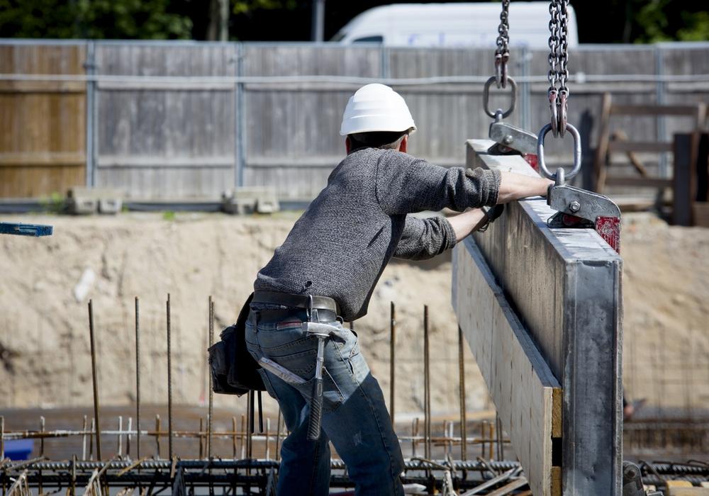 Bauarbeiter bekommen ab sofort einen höheren Mindestlohn. Foto: IG BAU