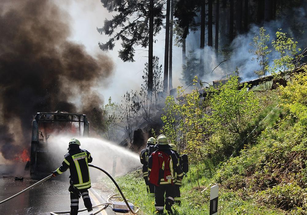 Dunkle Rauchschwaden stiegen empor. Foto: Feuerwehr Goslar