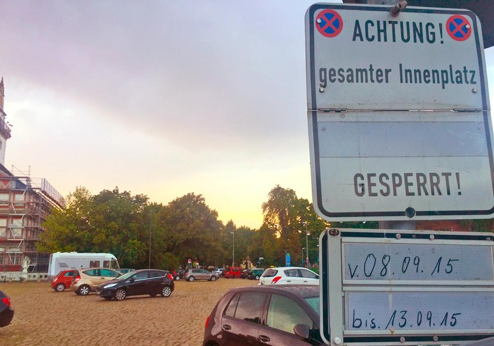 Parkplatzsperrung am Schlossplatz während des Eurotreffs. Foto: Stadt Wolfenbuettel