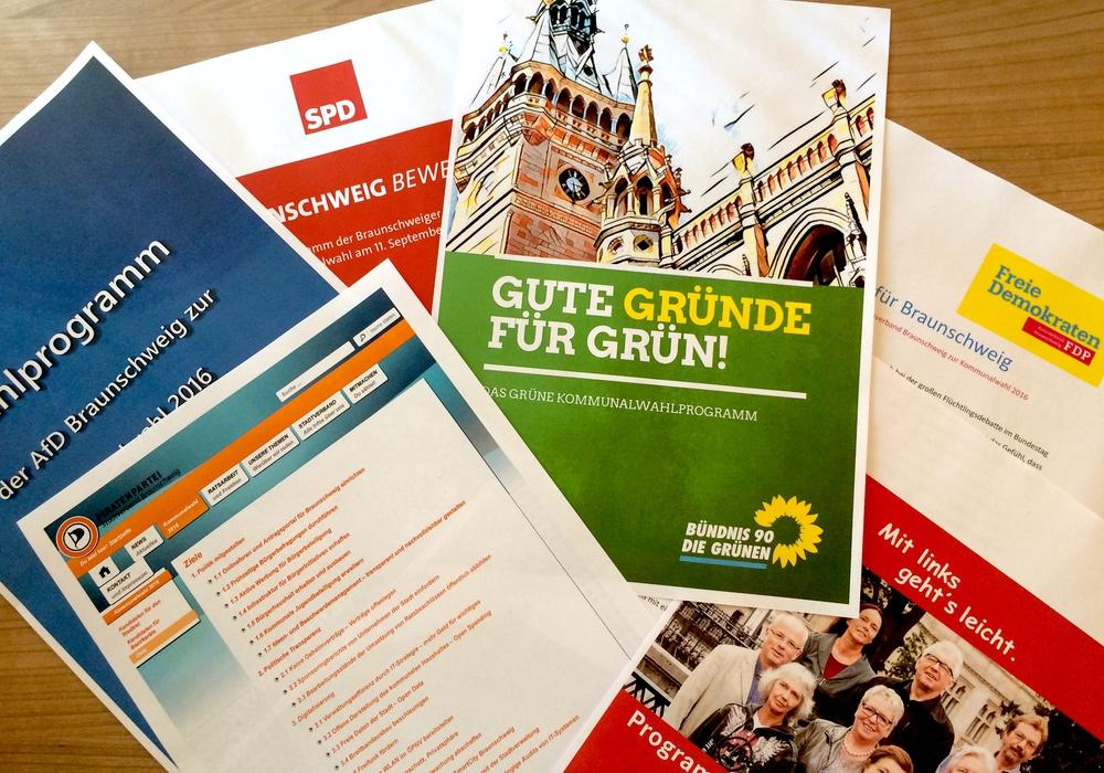 Auszüge der Wahlprogramme der Braunschweiger Parteien. Symbolfoto: Marc Angerstein