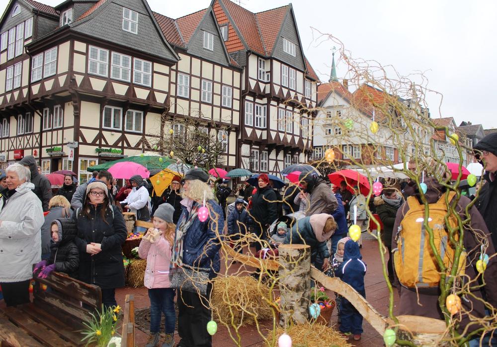 Das schlechte Wetter konnte den Besuchern auf dem diesjährigen Osterfest nichts anhaben. Fotos: Jonas Walter