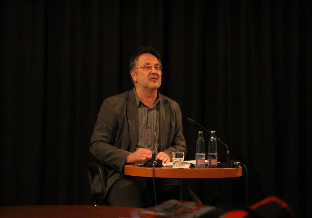 Bereits 2015 war Rainer Moritz zu Gast in Wolfenbüttel. Foto: Max Förster
