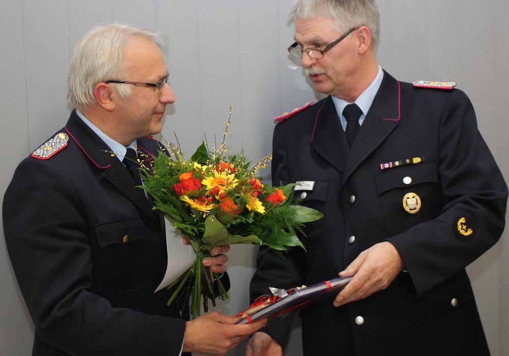 Uwe Borsutzky (links) mit Nachfolger Kreisbrandmeister Uwe Fricke. Foto: Privat
