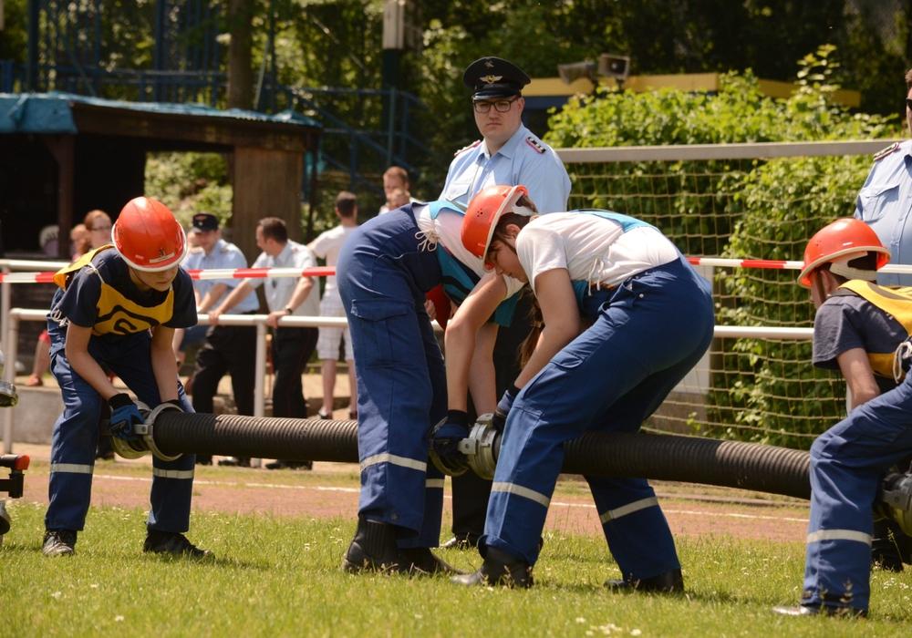 Am Sonntag trafen sich Jugendfeuerwehren aus dem Landkreis Goslar in Oker zum Kreisentscheid des Bundeswettbewerbs. Fotos: Feuerwehr Oker