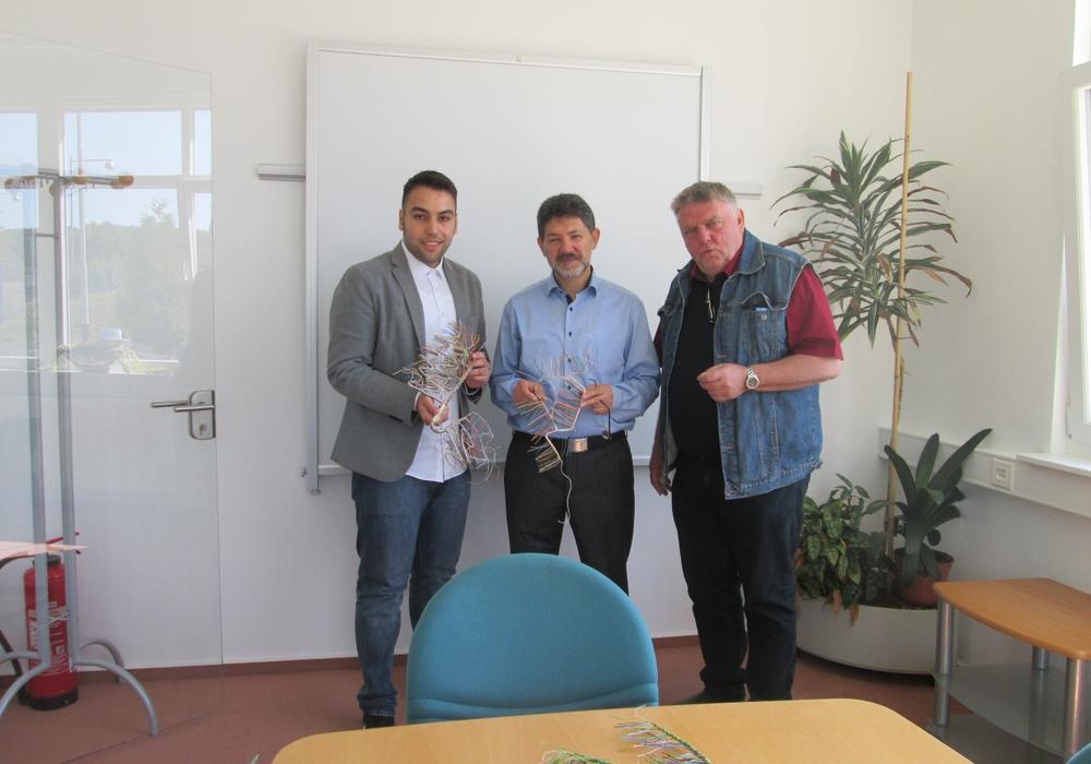 Mustafa User (l.) und Eckbert Schulze (r.) bei ihrem Besuch der ZB-Electronics. Foto: CDU Stadtverband Wolfenbüttel