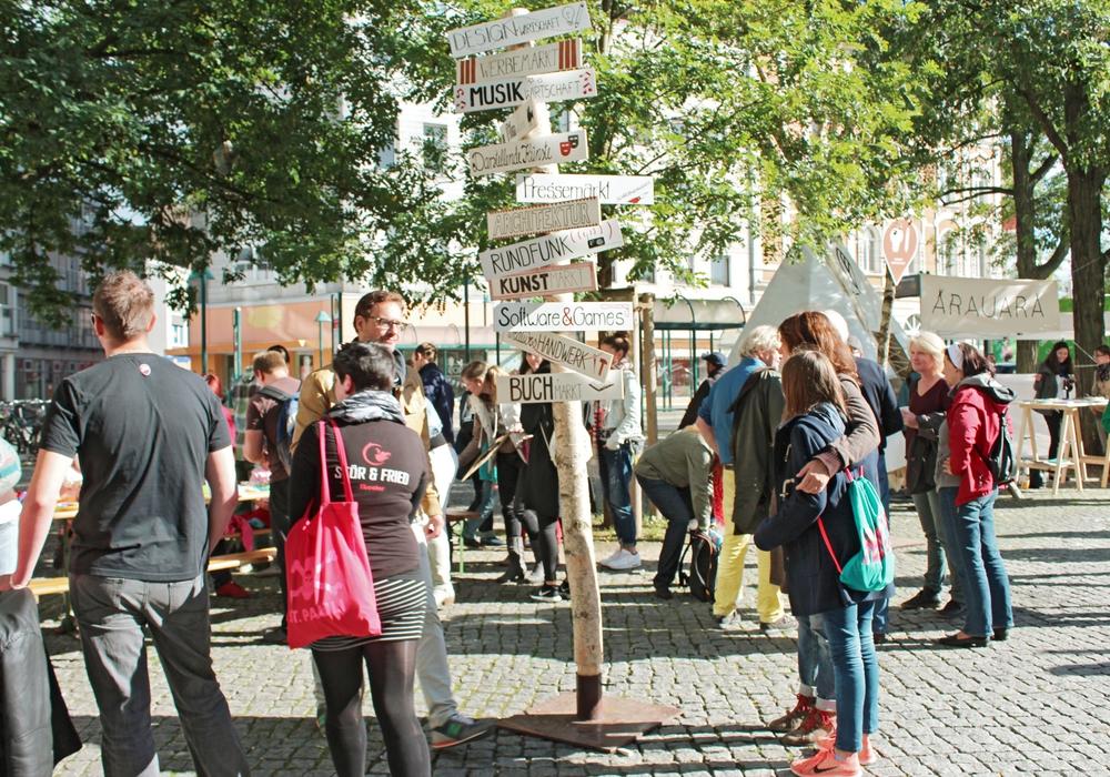 Beim großen Marktplatz am 17. September können Besucher  auf dem Friedrich-Wilhelm-Platz die Vielfalt der Kultur- und Kreativwirtschaft erleben.  Foto: KreativRegion e. V.