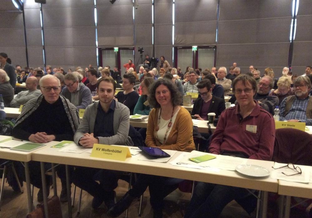 Die Wolfenbütteler Grünen, hier mit Pieter K.G. Welge, Ricardo Gummert, Ghalia El Boustami, Lutz Seifert nahmen an der  Landesdelegiertenkonferez in Hameln teil. Foto: Grüne