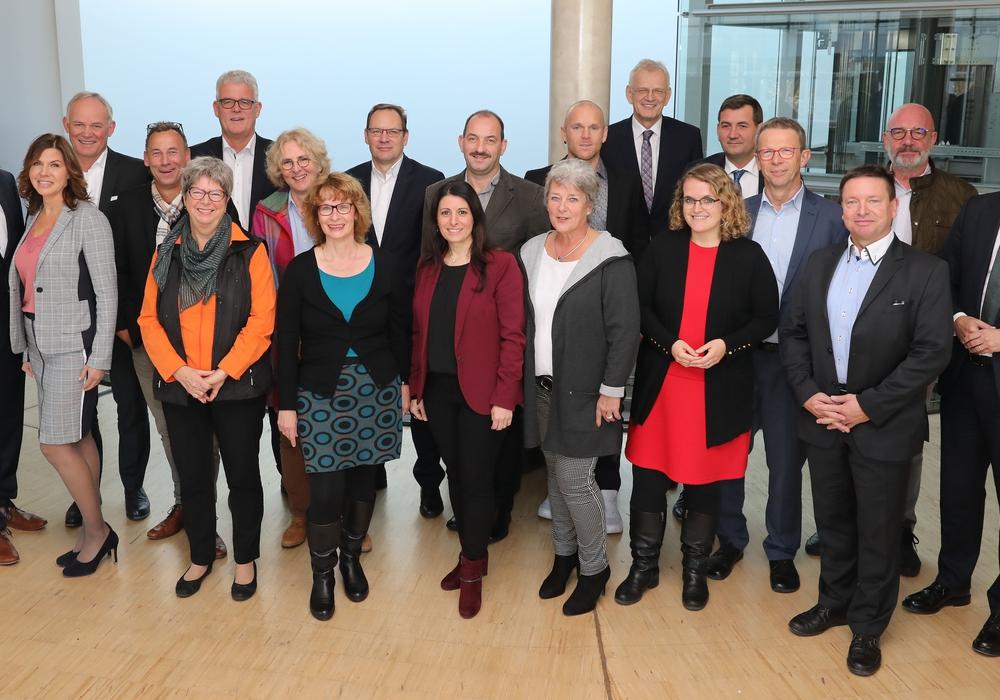 Die bei der heutigen Sitzung anwesenden Mitglieder des Aufsichtsrates und des Vorstands der Wolfsburg AG. Foto: Wolfsburg AG / Matthias Leitzke