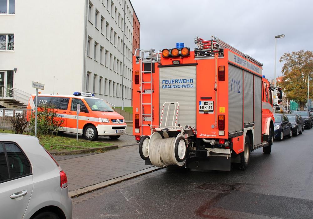 Feuerwehr musste Tür aufbrechen. Symbolfoto: Bernd Dukiewitz
