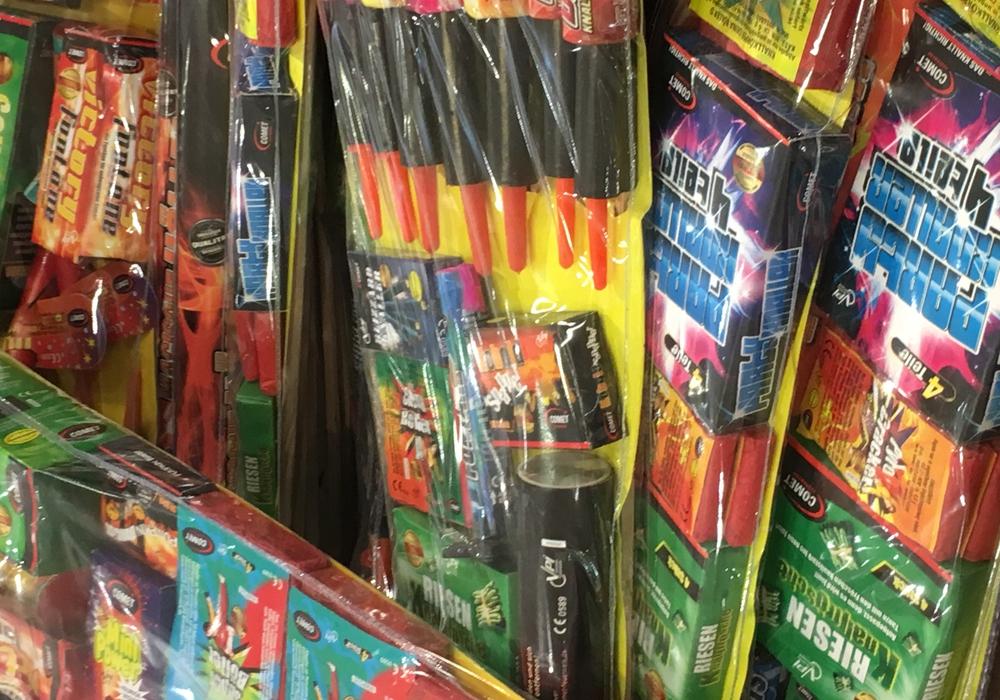 Der Feuerwerksverkauf läuft seit Donnerstag. Foto: Frederick Becker