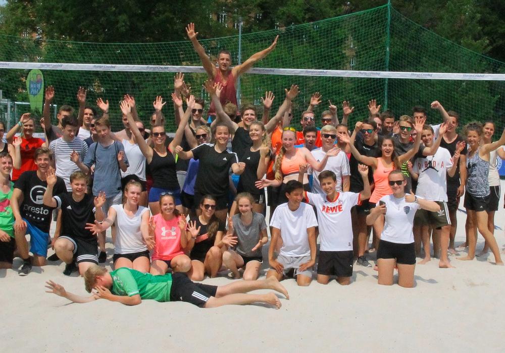 Gute Stimmung bei den Teams des Schulturniers. Foto: Stadt Wolfenbüttel