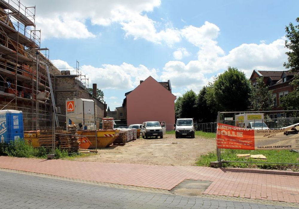 Die Fläche zwischen dem Langen Steinweg und dem Schützenwall soll bebaut werden. Foto: Stadt Helmstedt