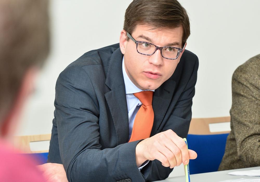 Björn Försterling äußert sich zu Unterrichtsausfallzeiten. Foto: FDP