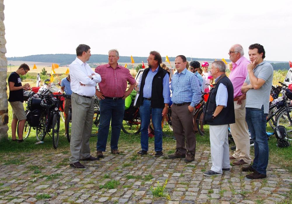 Im Bild v.l.n.r.: Karsten Behr, Frank Oesterhelweg, Dr. Michael Geschwinde, Tobias Schliephake, Michael Grall, Helmut Wilm, Jörn Alpers. Foto: Henning Meyer