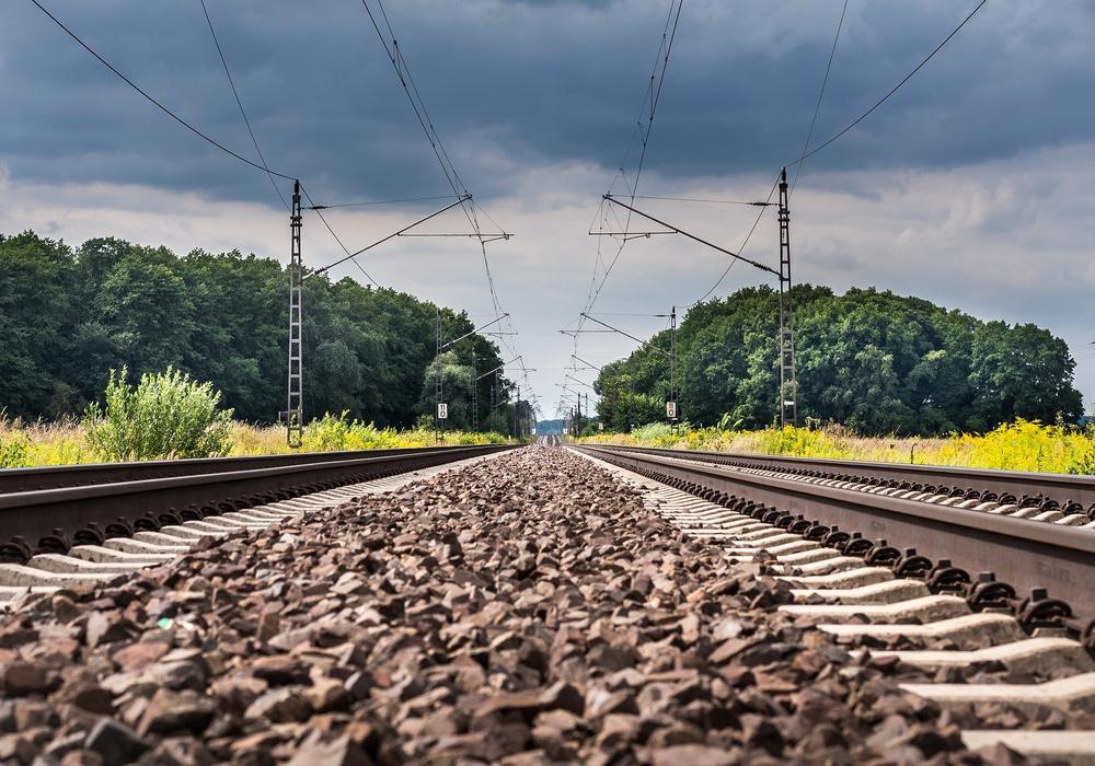 Ein Bahngleis ist kein Spielplatz. Symbolbild: pixabay