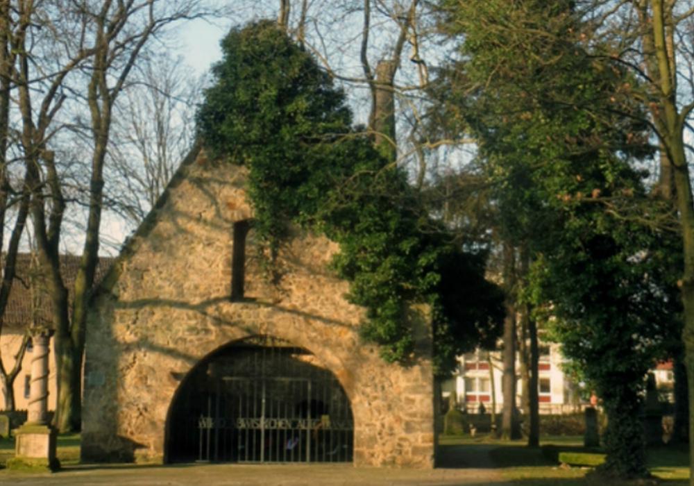 An der Vöppstedter Ruine findet die zentrale Gedenkveranstaltung statt. Foto: Stadt Salzgitter