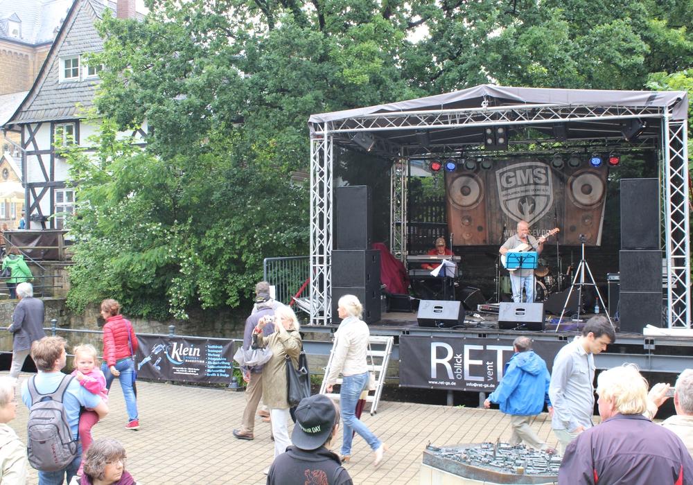 """Im kommenden Jahr ist wieder ein Benefizkonzert """"Rampen für Goslar geplant, teilte Initiator und Organisator Peter König mit. Das erste Konzert fand im Juni am Museumsufer statt. Foto: Anke Donner"""
