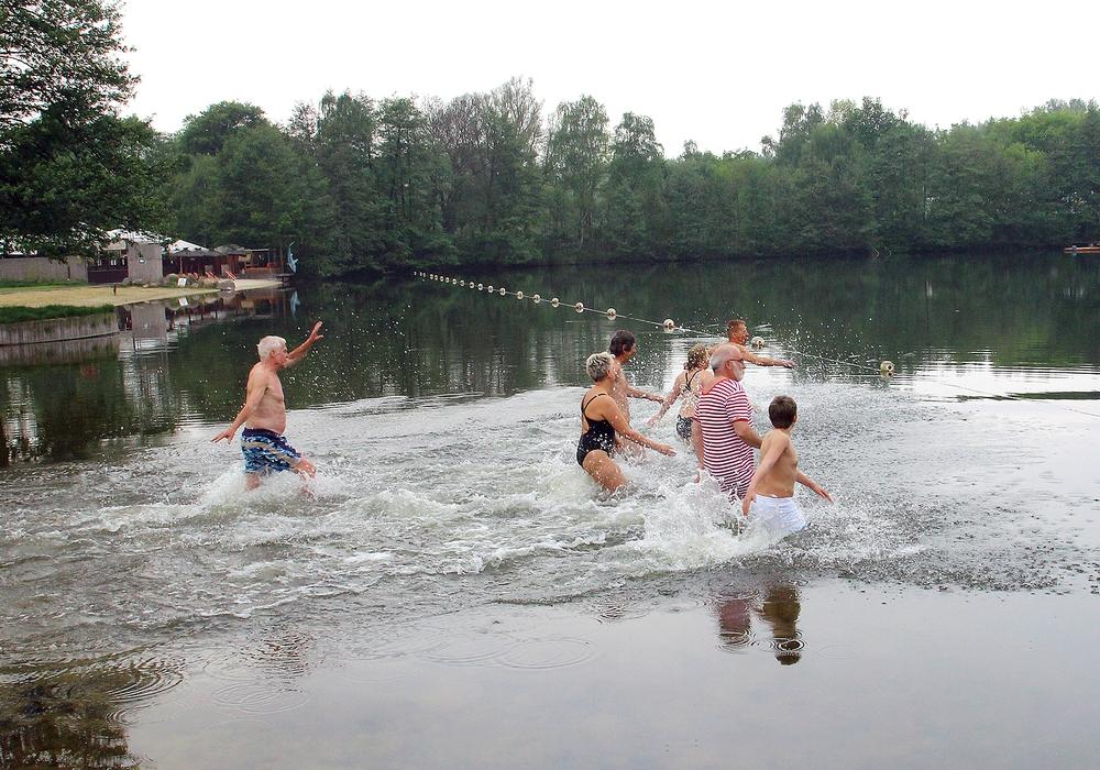 Das Kennel-Bad bleibt vorerst geschlossen. Badegäste müssen sich Ausweichmöglichkeiten suchen. Foto: T. Raedlein
