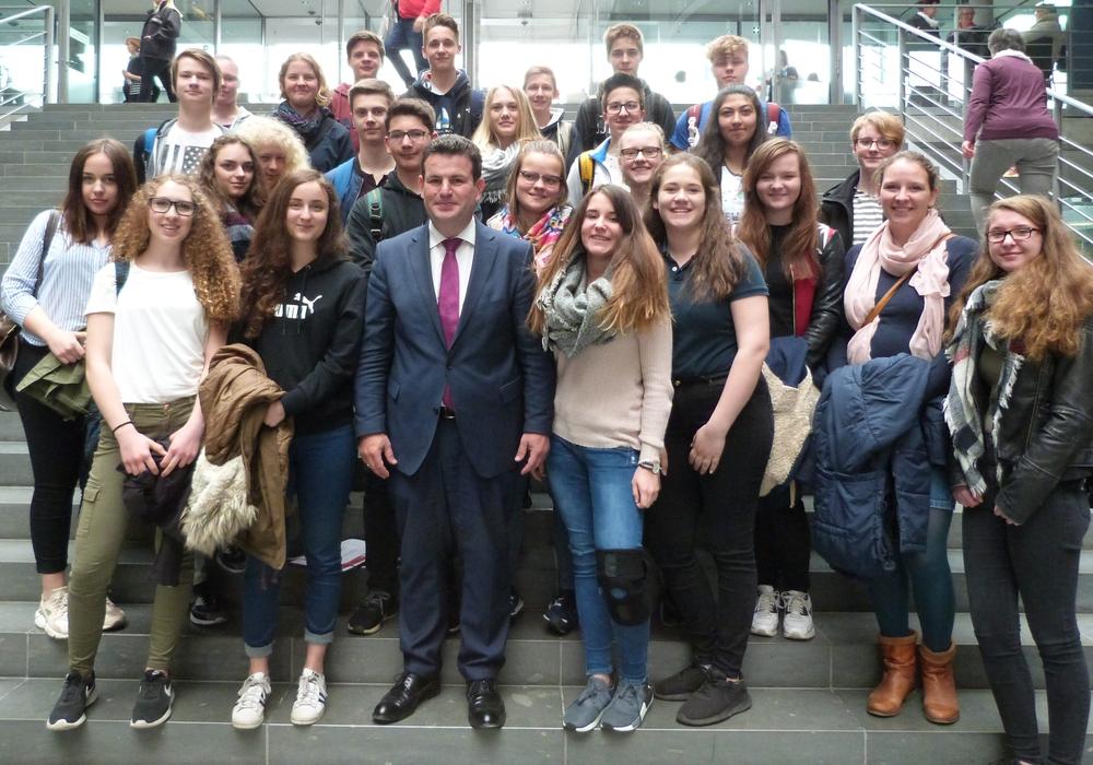 Hubertus Heil lud Schüler in den Bundestag ein. Foto: Büro Heil