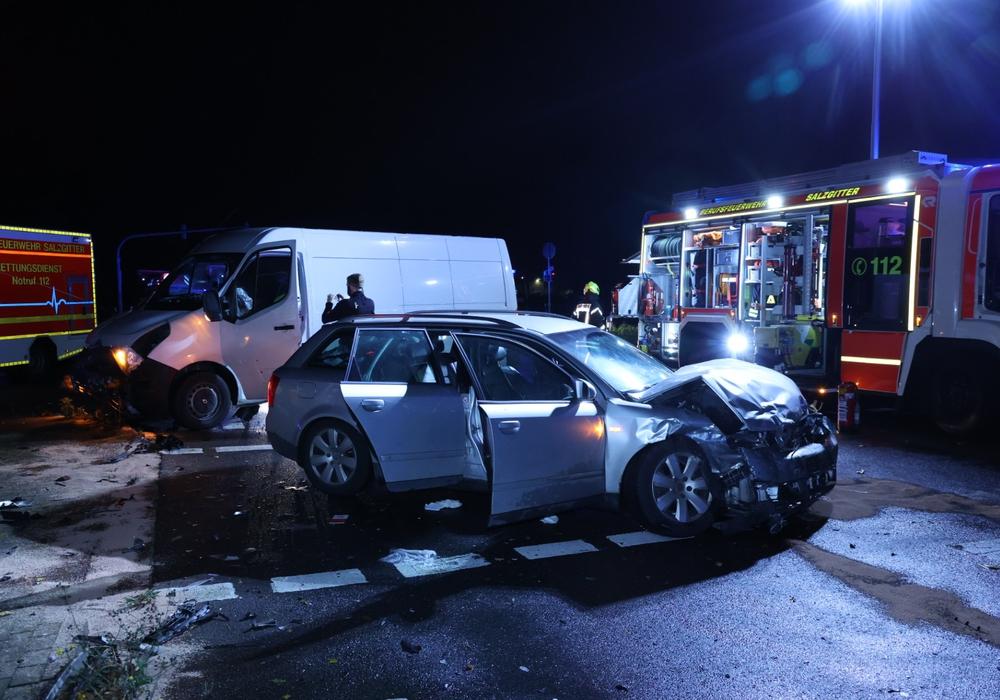 Auf der Eisenhüttenstraße kam es am Freitagabend zu einem Unfall