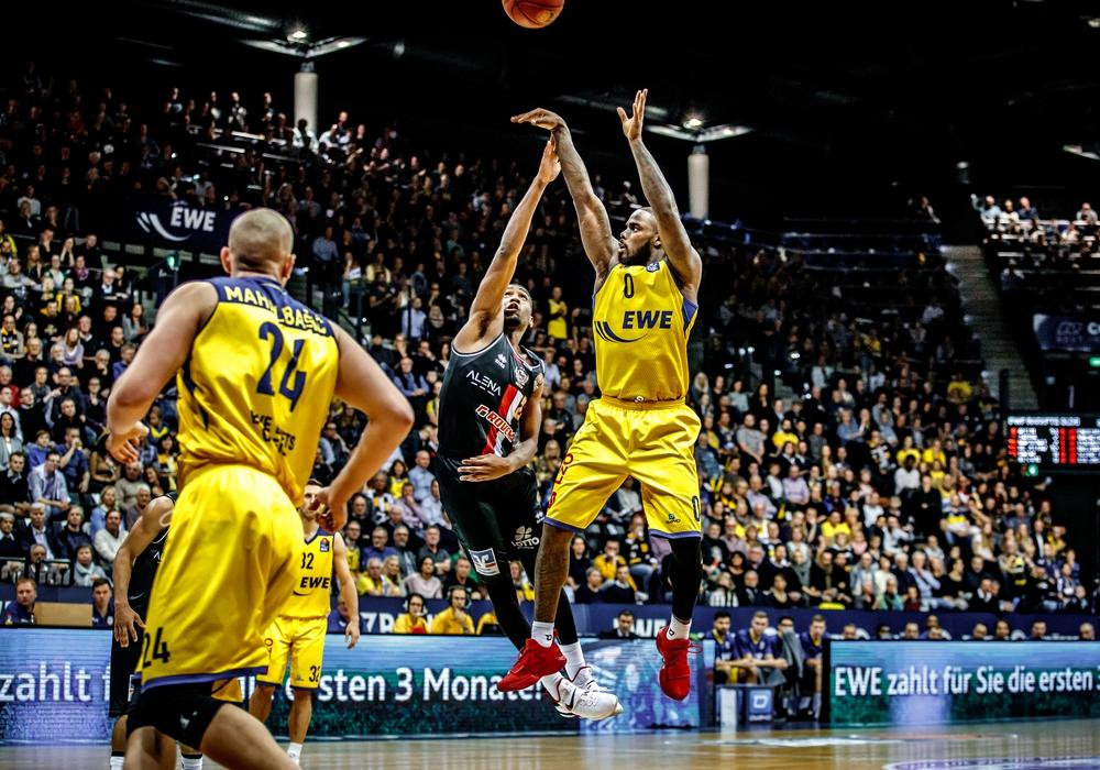 Bryon Allen, hier noch im Trikot der Baskets Gießen, wird demnächst in Braunschweig auf Korbjagd gehen.