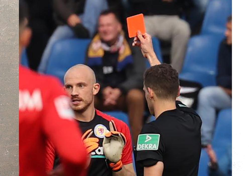 Felix Dornebusch sah beim Heimspiel gegen Bochum rot.