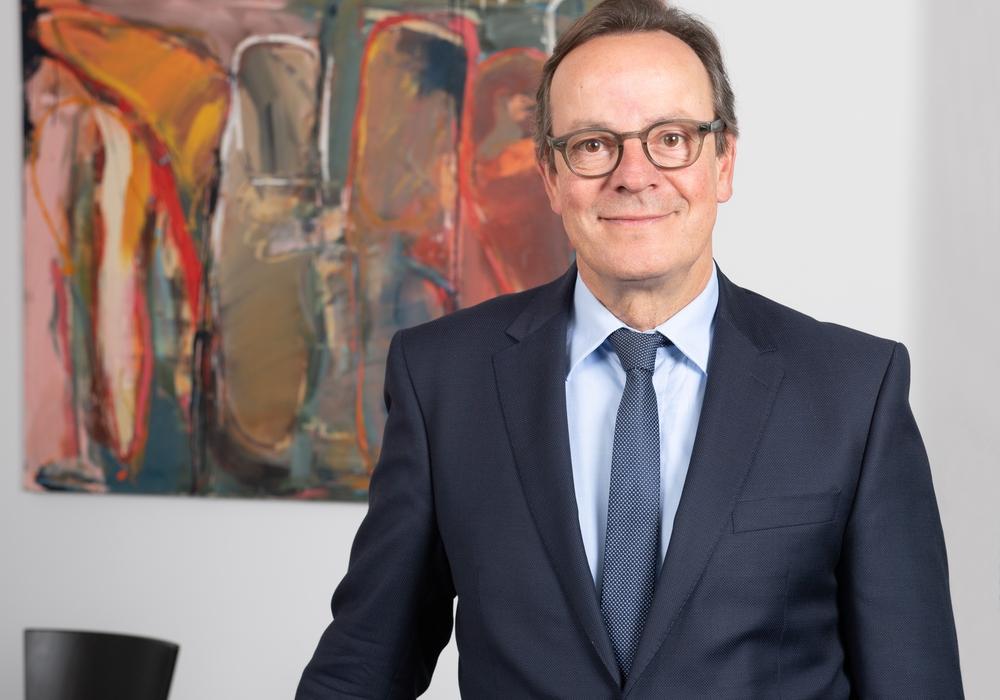 Professor Dr. Folkhard Isermeyer in seinem Büro im Thünen-Institut.
