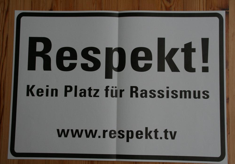 Nach Beschluss des Rates soll dieses Schild ans Cremlinger Rathaus angebracht werden.