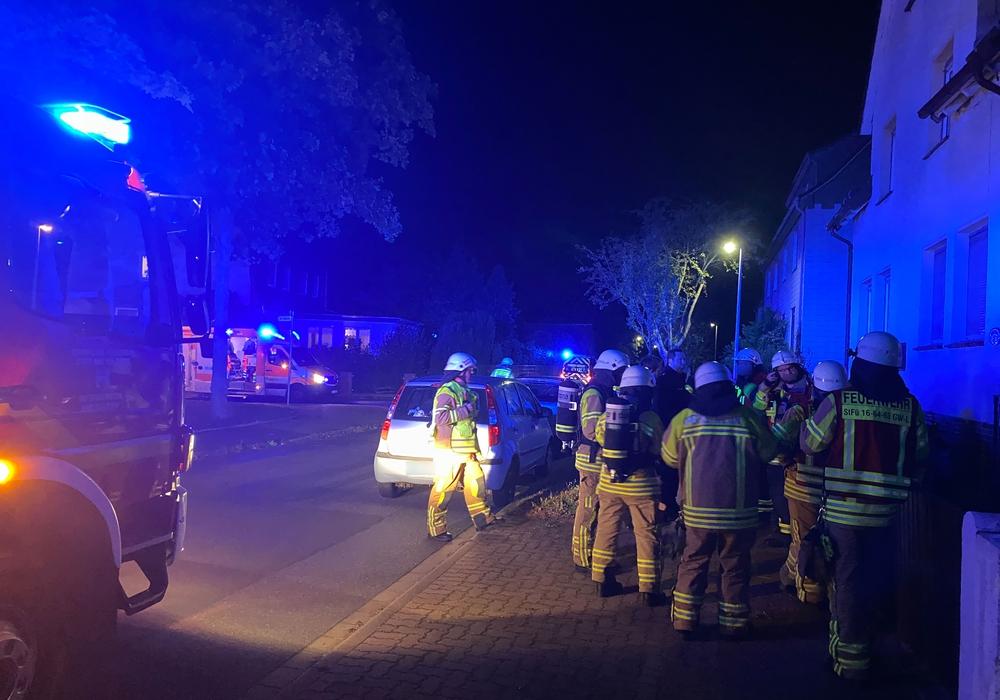 Die Einsatzkräfte untersuchten ein Wohnhaus in Harlingerode nach einem möglichen Kohlenmonoxid-Leck.
