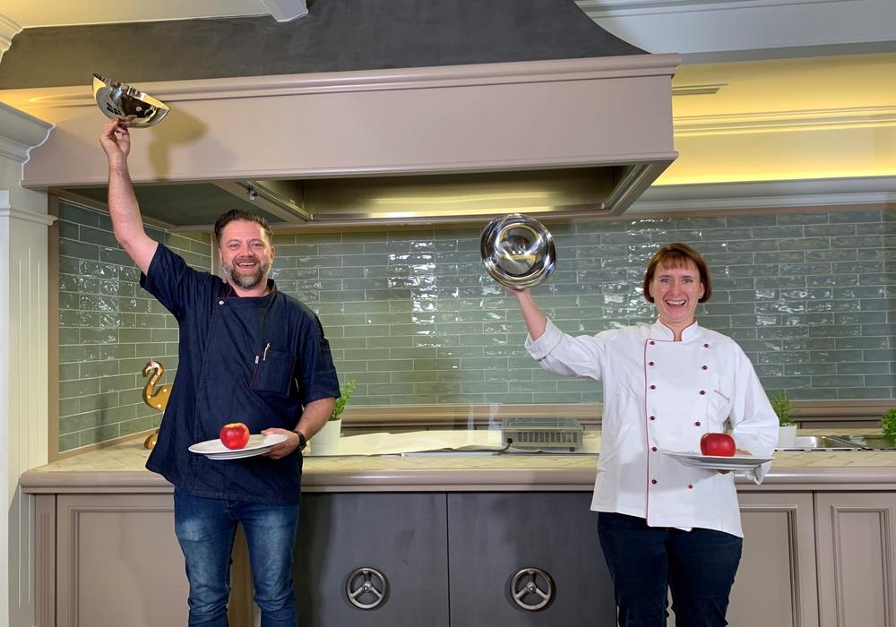 Köche im Peiner Land: von rechts; Melorie Roffka (Gasthof Radtke) und Sven Eggelsmann (Restaurant Geldmacher).