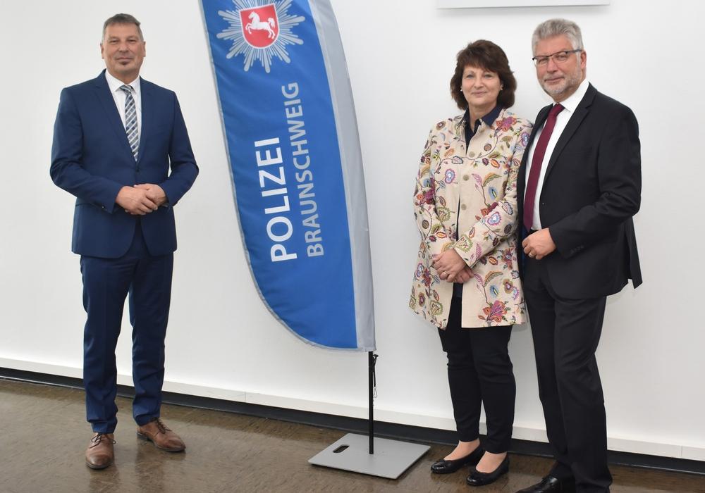 Von links: Polizeipräsident Michael Pientka, Axel Werner mit Ehefrau.