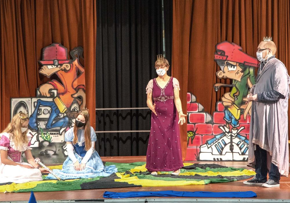 Die Schauspieler der Studiobühne dürfen in einem festen Ensemble weiter Proben durchführen.