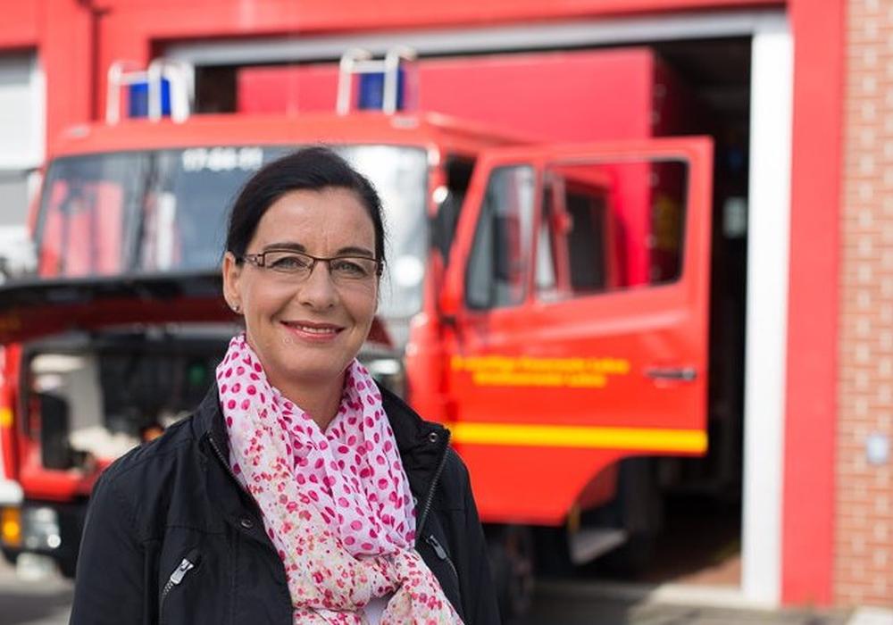 Veronika Koch meldet, dass der Landkreis Helmstedt ein neues LF-KatS bekommen wird.