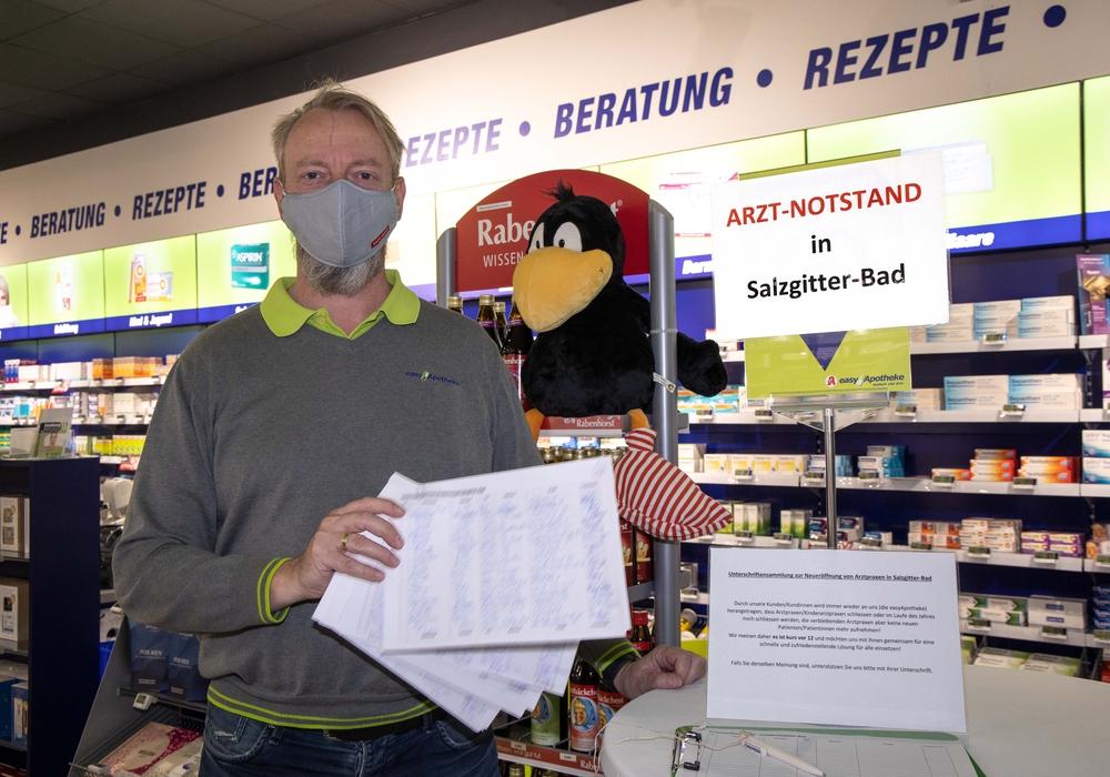 Apotheker Frank Siepert hat eine Unterschriftenaktion gestartet, um auf den Ärztemangel aufmerksam zu machen.