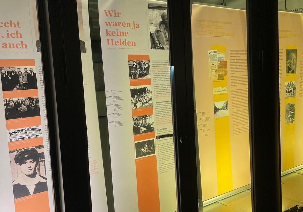 Ein Blick in die Ausstellung im Lessingtheater.