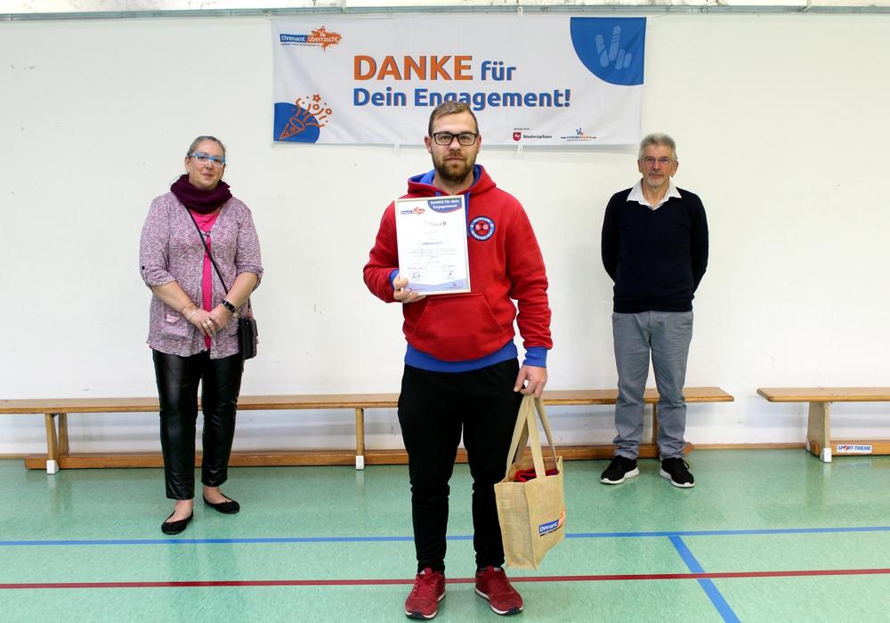 SVR-Schriftführerin Astrid Kaim, René Rabanus und SVR-Vorsitzender Dieter Wagner (v- li.).