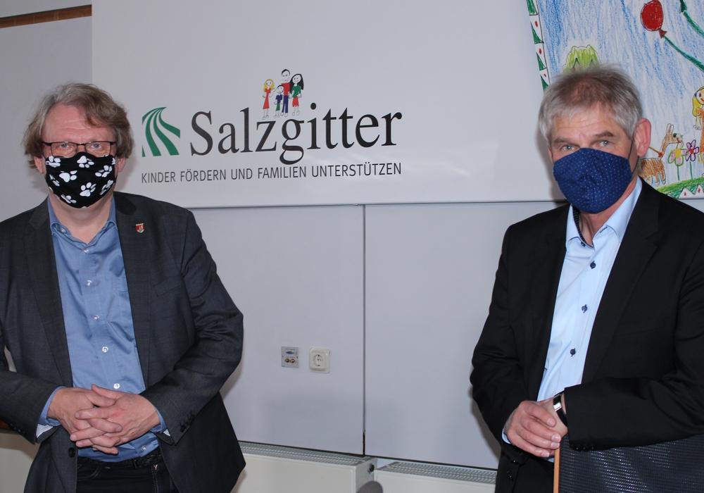 Gesundheitsdezernent Dr. Härdrich und Oberbürgermeister Frank Klingebiel sprachen über die neue Corona-Verordnung für die Stadt Salzgitter.