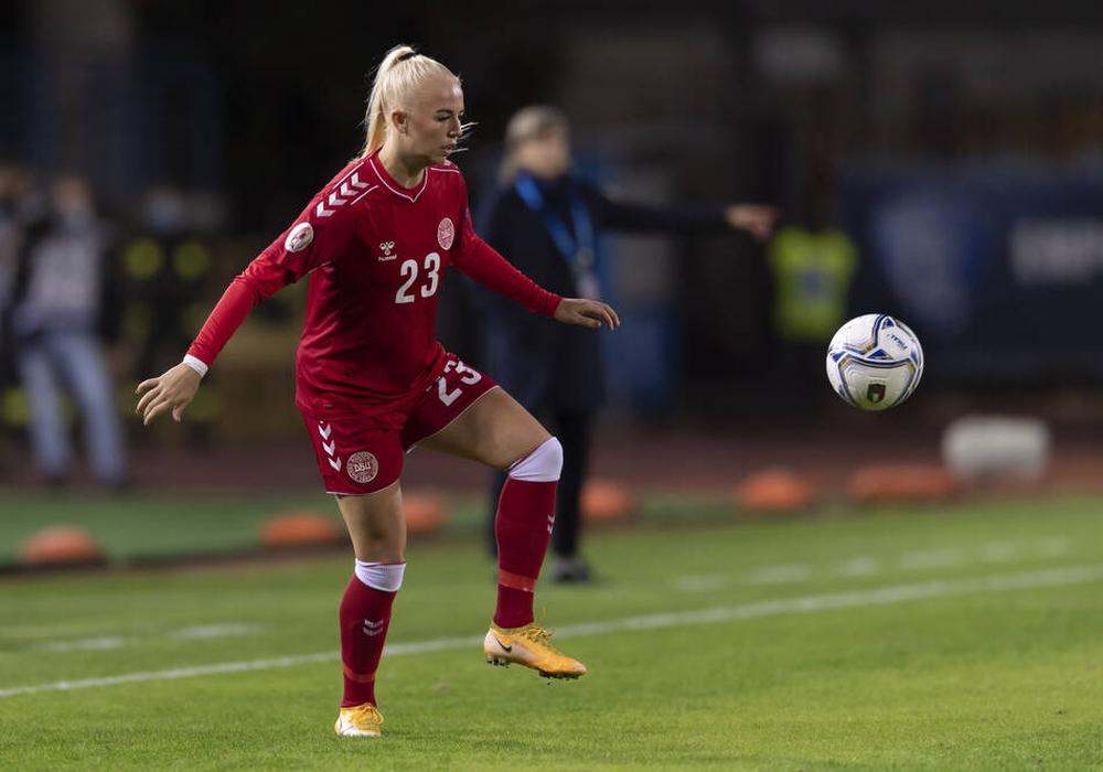 Sofie Svava hat bereits 14 mal das Dress der dänischen Nationalmannschaft getragen.