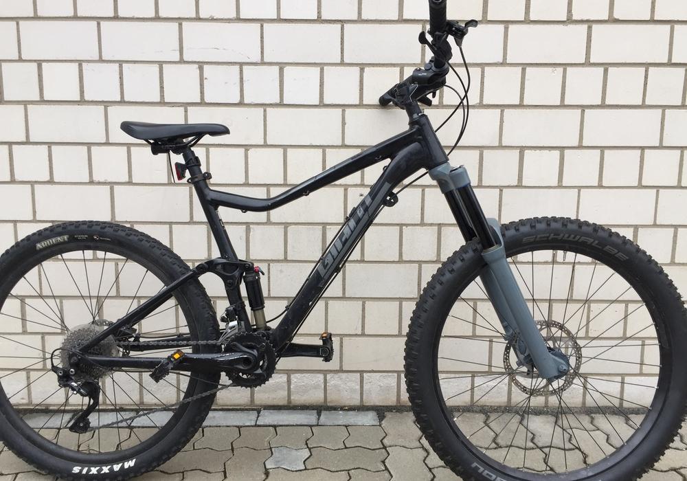 Wem gehört dieses Fahrrad, Marke MTB GIANT, Modell Trance?
